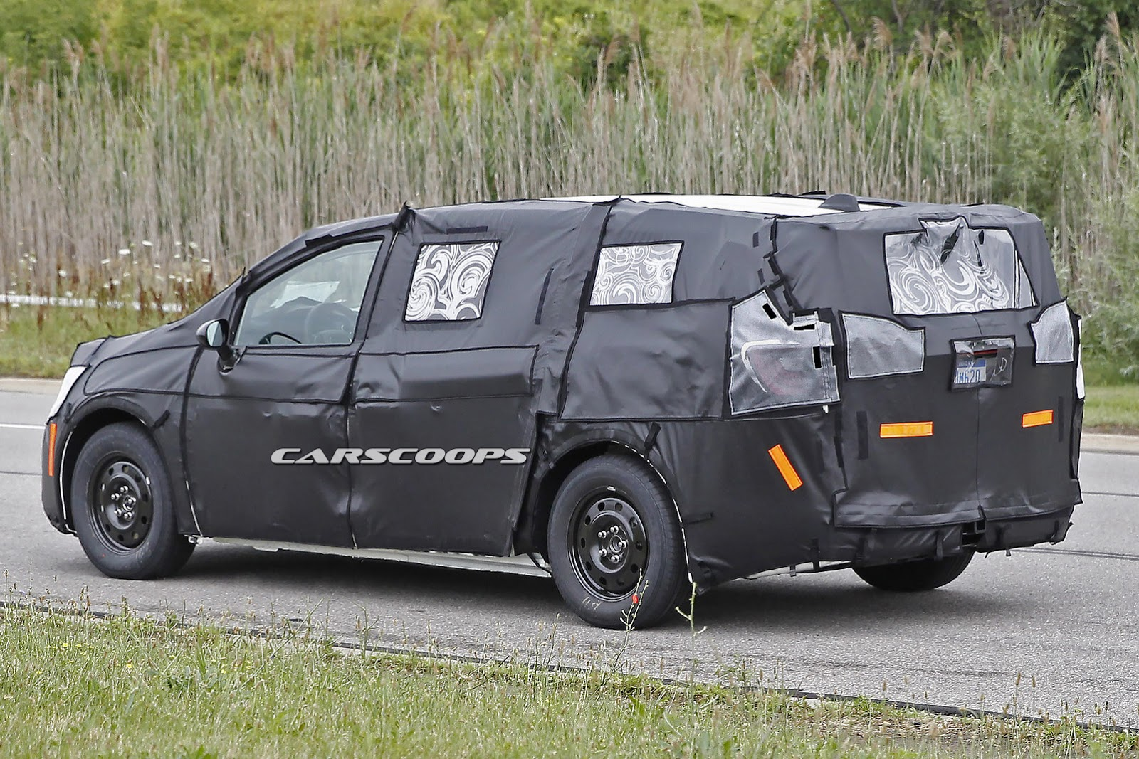 Scoop 2017 Chrysler Town Amp Country Makes Its First