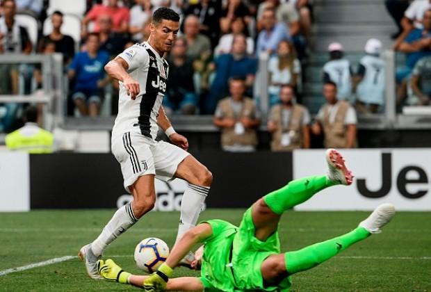 Cristiano Ronaldo Scores for Juventus