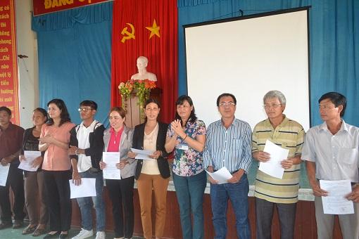 Lý Sơn: Lễ trao quyết định công nhận cơ sở luư trú kinh doanh du lịch