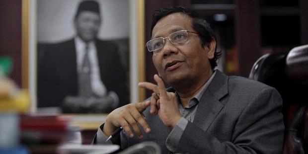 'Serangan Mematikan', Prof . Mahfud MD, Setelah Diancam Mau Dilaporkan Polisi Oleh Pengacara Setya Novanto, Begini ....
