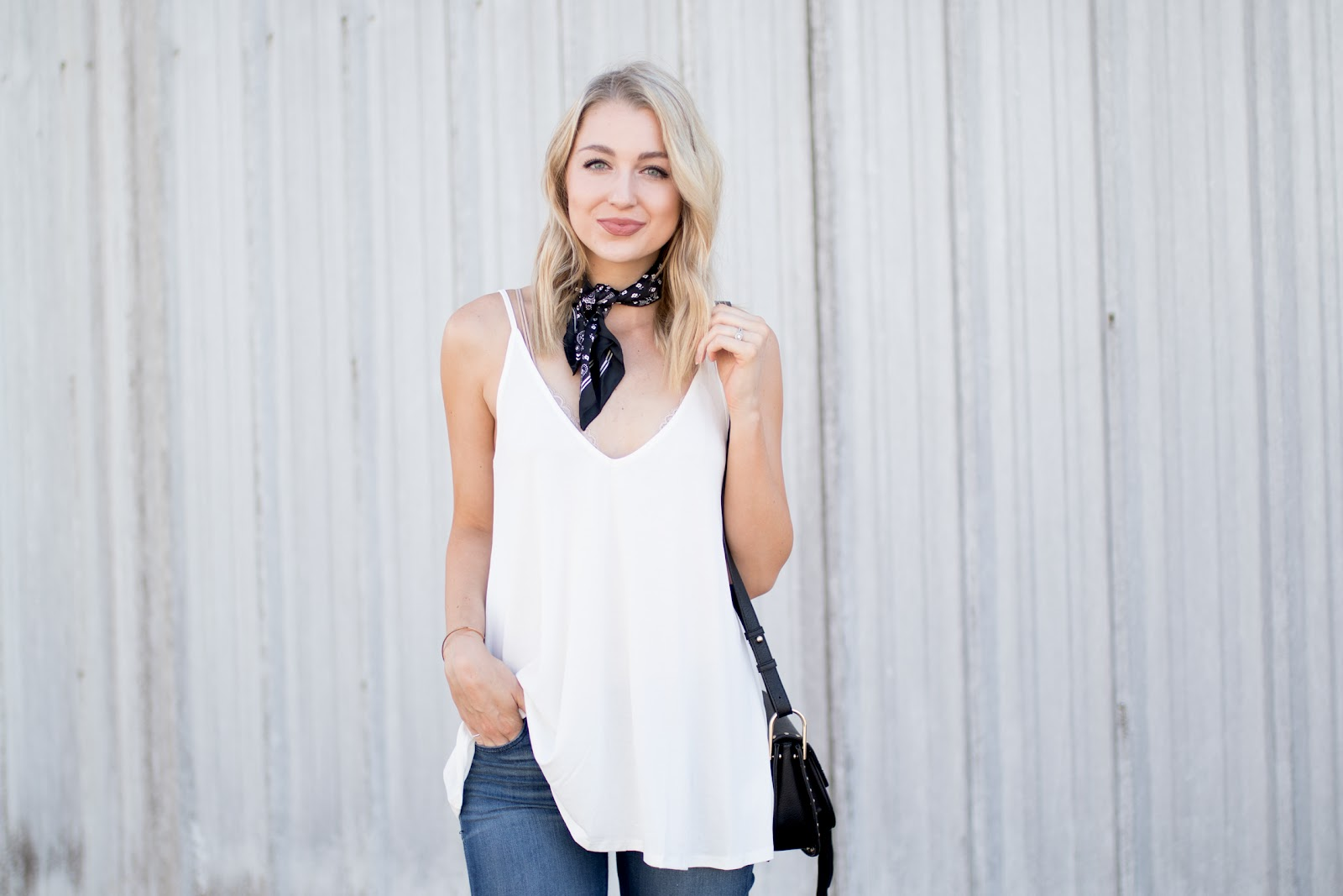 Love lenore 3 ways to tie a neck scarf 3 ways to tie a neck scarf ccuart Image collections