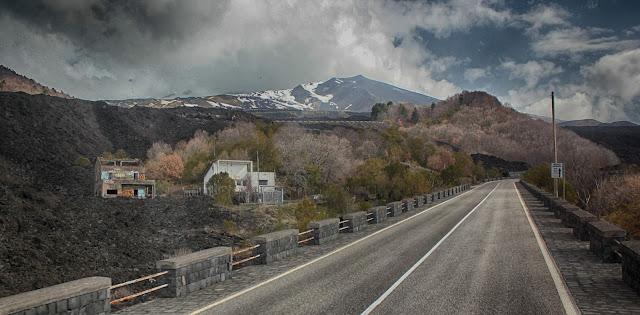Mt. Etna volcano Sicily Italy Catania lava eruption history ©RocDocTravel.com