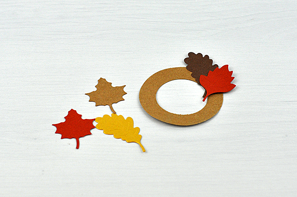 Thanksgiving Treat Box by Jen Gallacher for Spellbinders. #sponsored #jengallacher #spellbinders #diecutting #thanksgiving #treatbox