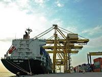 PT Pelabuhan Indonesia III (Persero) - Operator Reach Stacker Pelindo 3 Group April 2020