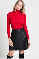 pulover-cu-guler-pe-gat-5