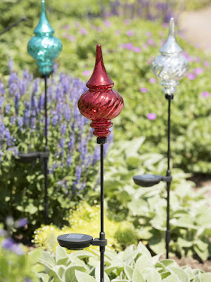 Choosing Solar Garden Stakes