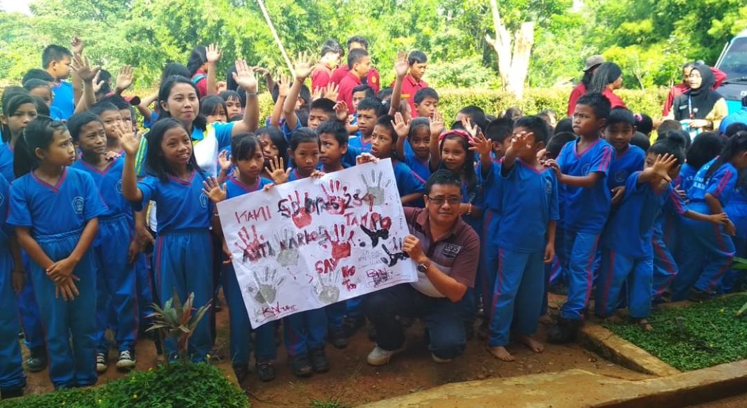 Kerjasama dengan BNNK Tana Toraja, KKN UKI Toraja Lakonkan Drama 'Awas Bandar'
