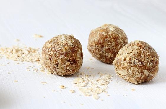 bolas  proteicas de proteina y copos de avena