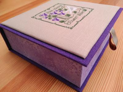 caja, boite, box, cartonnage, bordado, embroidery, broderie, punto cruz, cross stitch, point croix, botanical stitches, the drawn thread