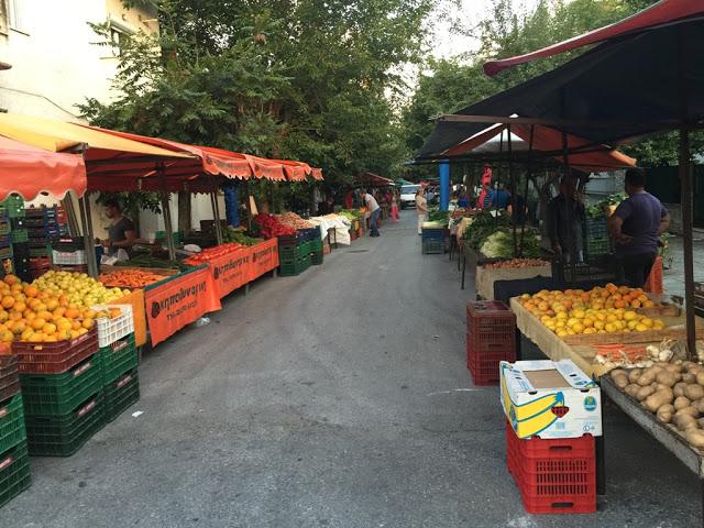 Γιάννενα: Οι παραγωγοί των Λαϊκών στηρίζουν το Κοινωνικό Παντοπωλείο