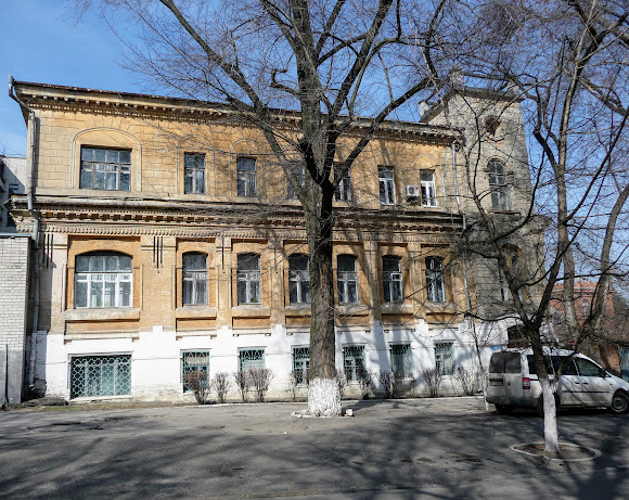 Днепр. Ул. Яворницкого. Детская областная больница.