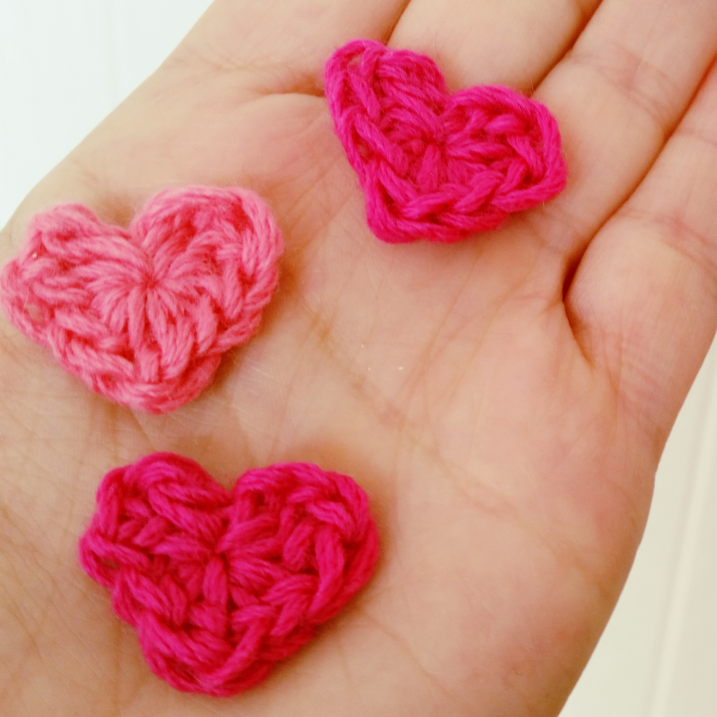 como hacer corazon mini a crochet paso a paso