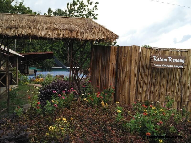 kolam renang villa gardenia