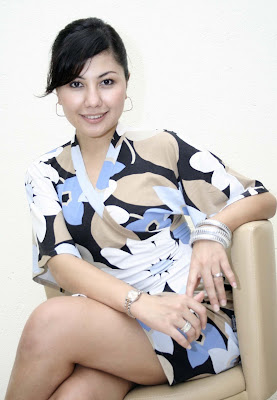 Gallery Foto Hot Emma Waroka - Artis Hot Indonesia
