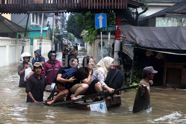 SamBung Cerita: Hari ini Jakarta Banjir, Melanda secara Merata