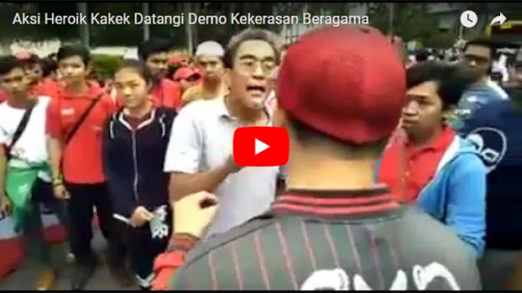 Video Aksi Heroik Kakek Hentikan Demo Kekerasan Beragama Banjir Pujian