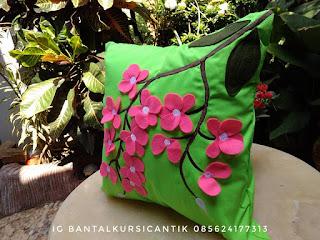 sarung bantal kursi bunga anggrek