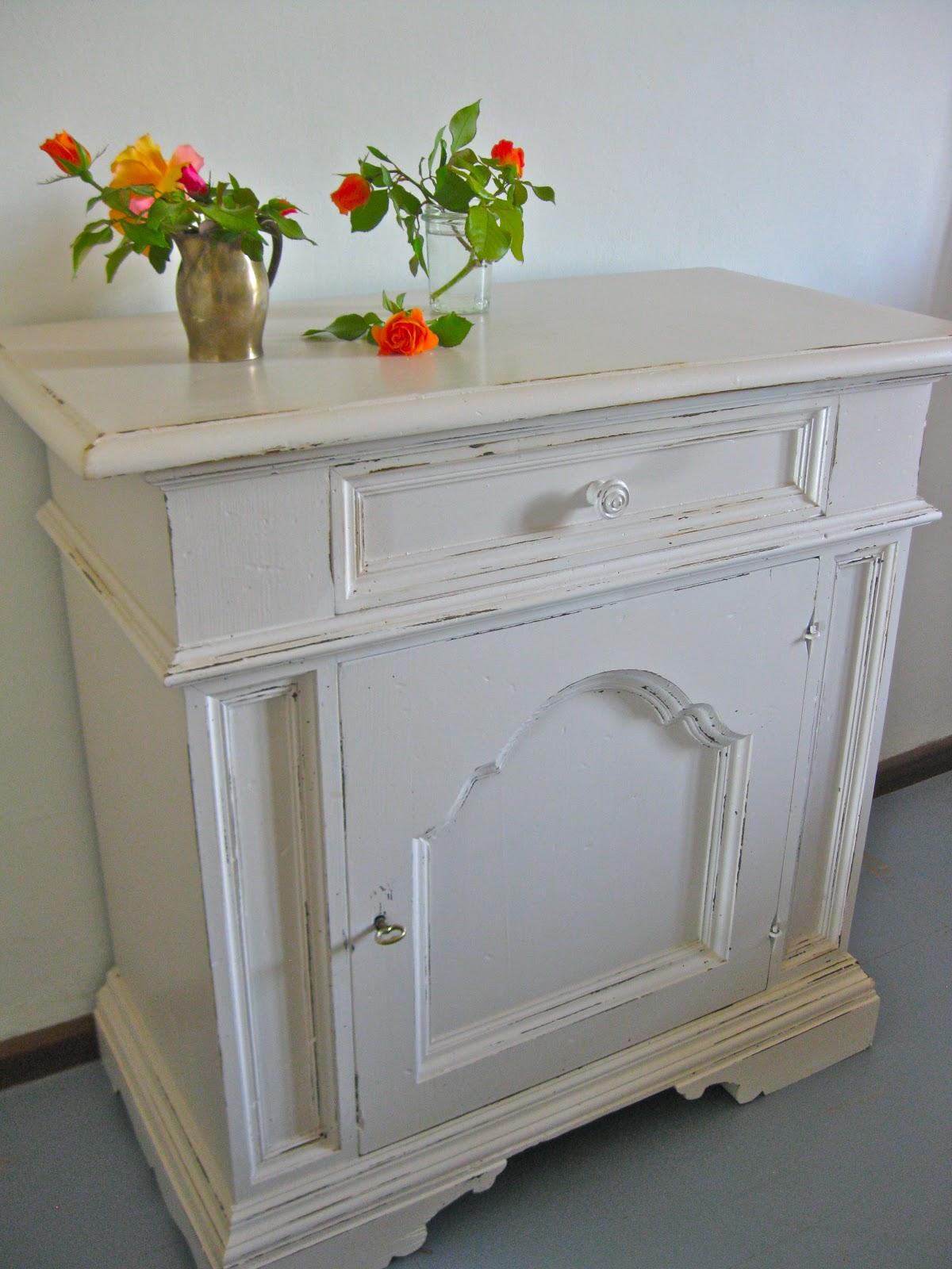sette design how to shabby chic furniture. Black Bedroom Furniture Sets. Home Design Ideas