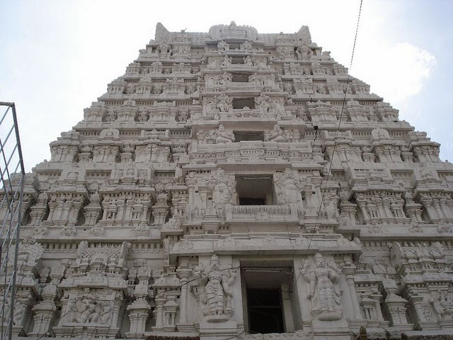 Srikalahasti Temple - one of the most famous Shiva temples in South India