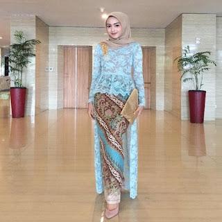 model rok batik untuk kebaya wisuda