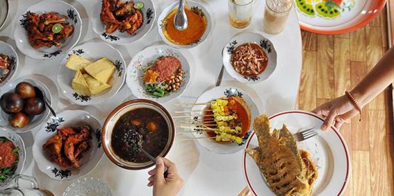 Berlibur ke Lombok? Ini 5 Tempat Wisata Kuliner yang Tak Boleh Anda Lewatkan
