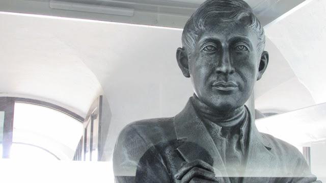 Patung Thomas Stamford Raffles