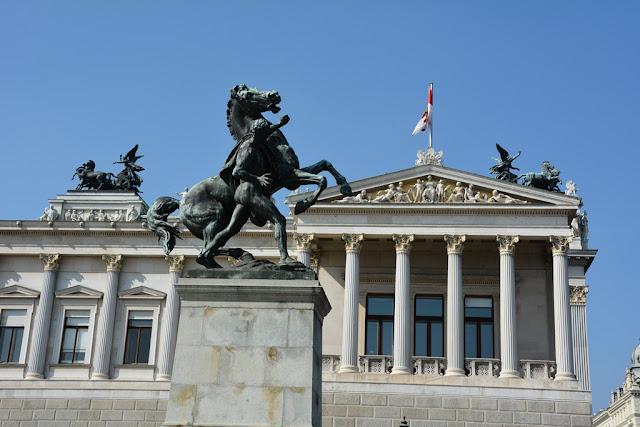Parliament Vienna horse
