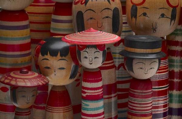 Japanese Kokeshi wood dolls - SiebolHuis Japan Museum.