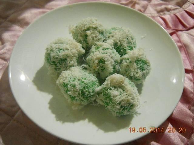 klepon, klepon makanan tradisional indonesia