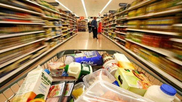 Salario mínimo alcanza para pagar 5 productos de la canasta alimentaria