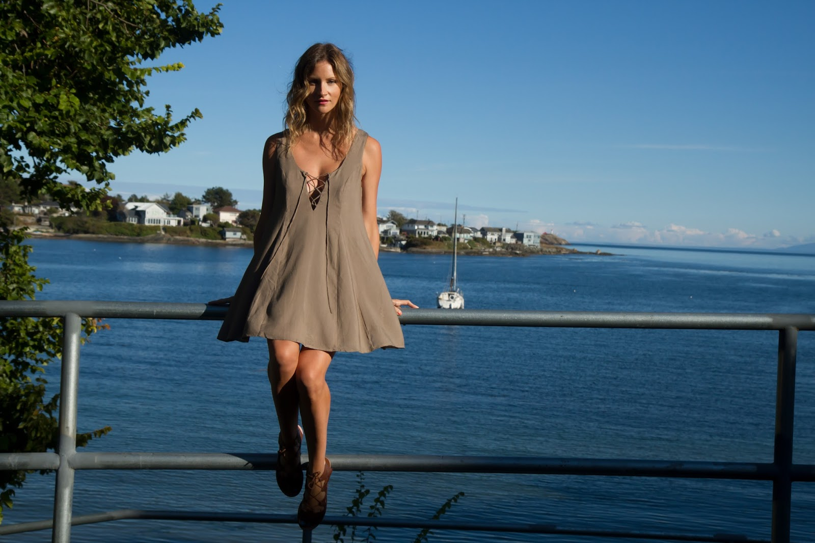 Fashion Blogger and Digital Nomad, Alison Hutchinson, in a Tobi Swing Dress