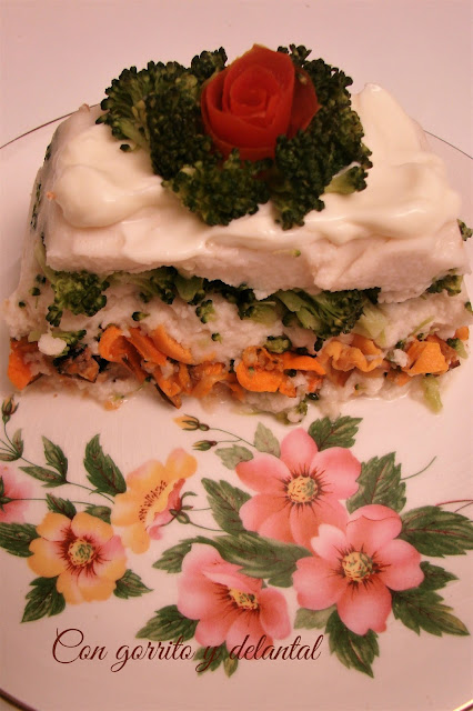 Con gorrito y delantal pastel de merluza relleno al - Lenguado al microondas ...