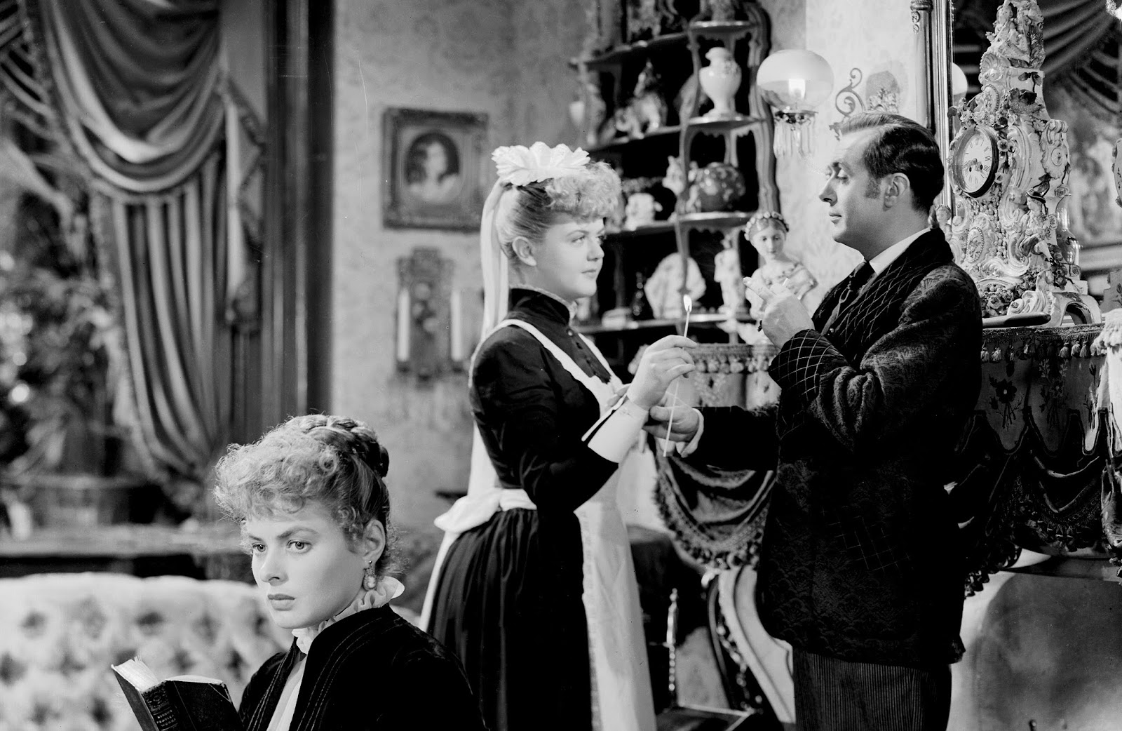 Bobby rivers tv angela lansbury happy birthday she got another best supporting actress oscar nomination for playing a dear but doomed young lady in mgms 1945 drama the picture of dorian gray thecheapjerseys Gallery
