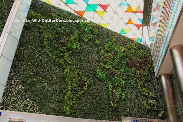 Green Wall, Ocean Financial Centre, Raffles Place, Singapore