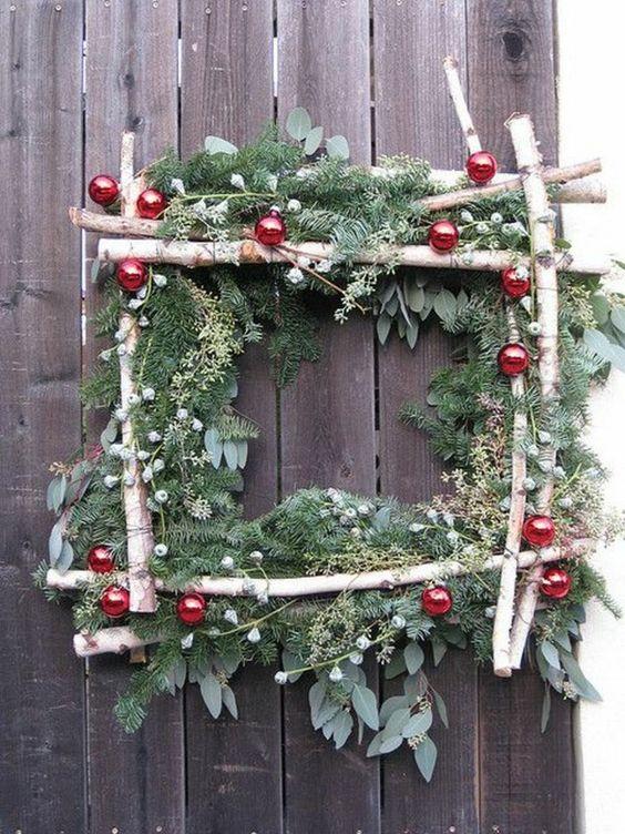 DIY Χριστουγεννιάτικη Σύνθεση από Κλαδιά - Κορμούς  για Κήπο-Μπαλκόνι