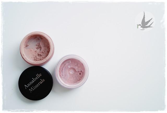 Recenzja róży mineralnych Annabelle Minerals Rose i Nude, kremowa konsystencja róży mineralnych