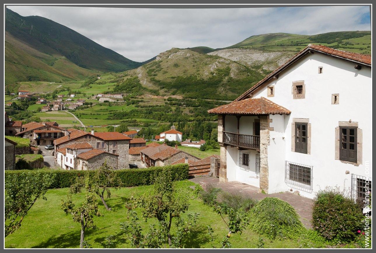 Interior de cantabria pueblos y paisajes de ensue o for Casas de pueblo en cantabria