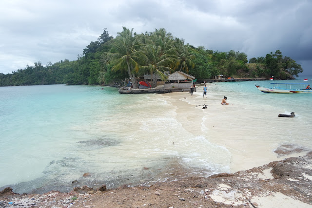 keunikan pulau pamutusan padang