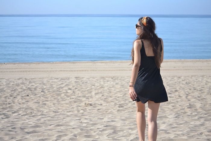 Mango dress, beach, Lara Pasarin