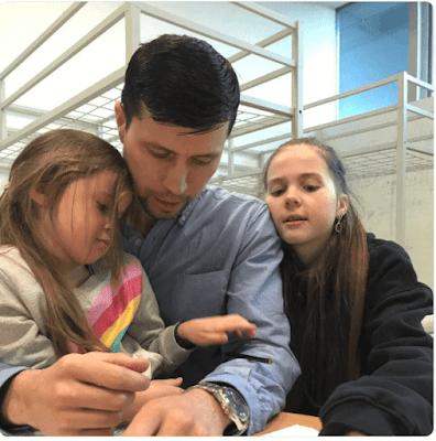 Το αδιανόητο συνέβη στην Σουηδία: Του πήραν τα παιδιά και τα έδωσαν σε μουσουλμάνους – Ζήτησε άσυλο στην Πολωνία