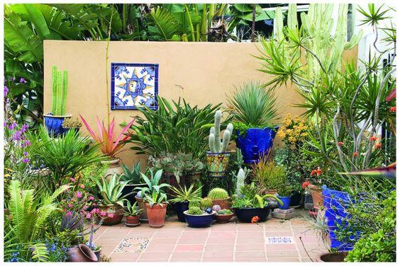 50+ Ιδέες Διαμόρφωσης για μικρούς Κήπους-Αυλές