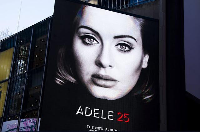 """Adele vuelve a liderar el Billboard 200 con su álbum """"25"""""""