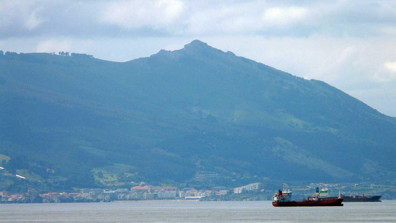 barcos puerto bilbao