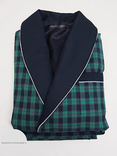 langer eleganter englischer hausmantel herren morgenmantel exklusiv lang warm baumwolle seide gefüttert luxus dunkelblau dunkelgrün