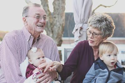 pensiun dini masa tua bahagia