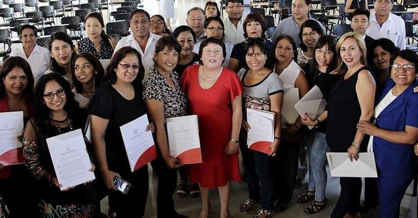 DRELM: Se reconoció trabajo de directores y docentes - www.drelm.gob.pe