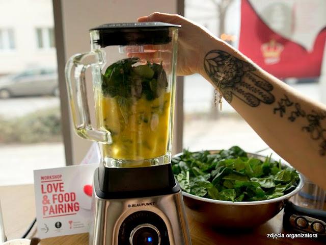 smoothie szpinakowy, szpinak, mix, blender, miksowanie, koktajl owocowy, zielono mi, samo zdrowie, food pairing