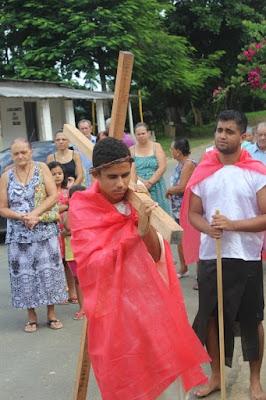 Encenação da paixão de Cristo na Comunidade Católica em Eldorado-SP