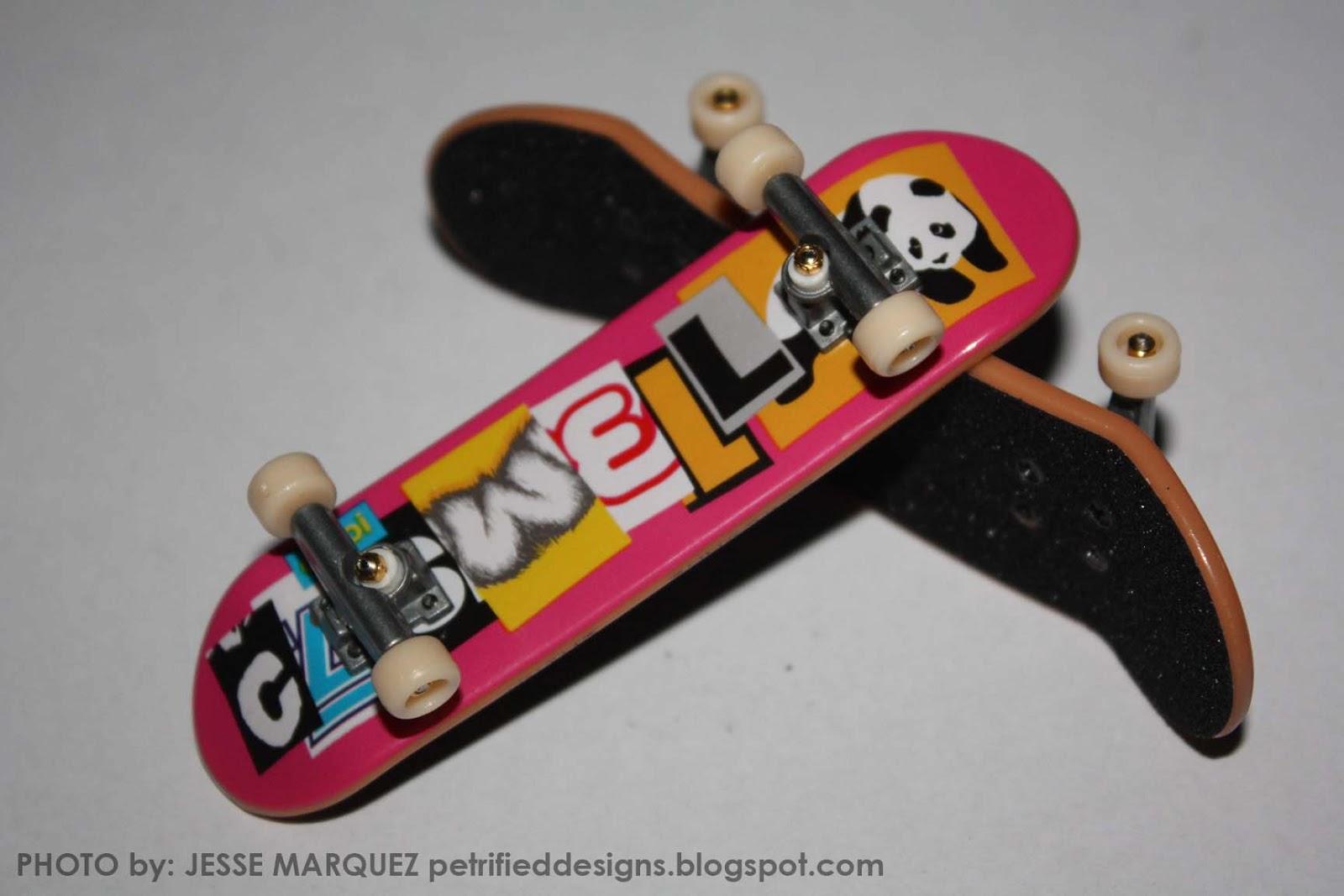 Randomly Random: [Toy Review] Tech Deck Fingerboards
