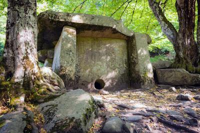 Dolmens dari Kaukasus Utara, Rusia